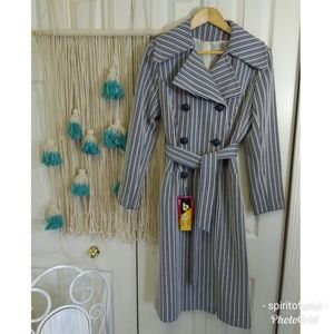 Killer vintage stripe mod trench navy and white